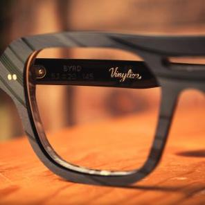 Vinylize frame in black